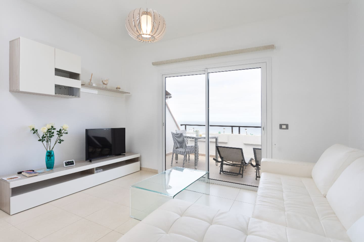 Bright penthouse overlooking Sea and Teide