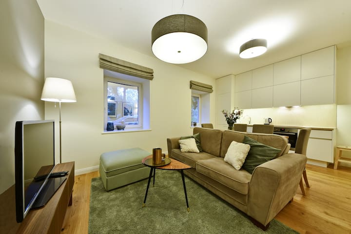 New 3bdr Oldtown President Palace free park. L419A