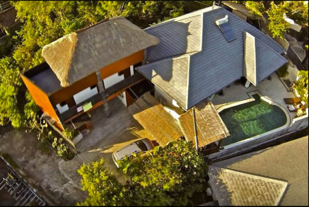 birds eye view of a house