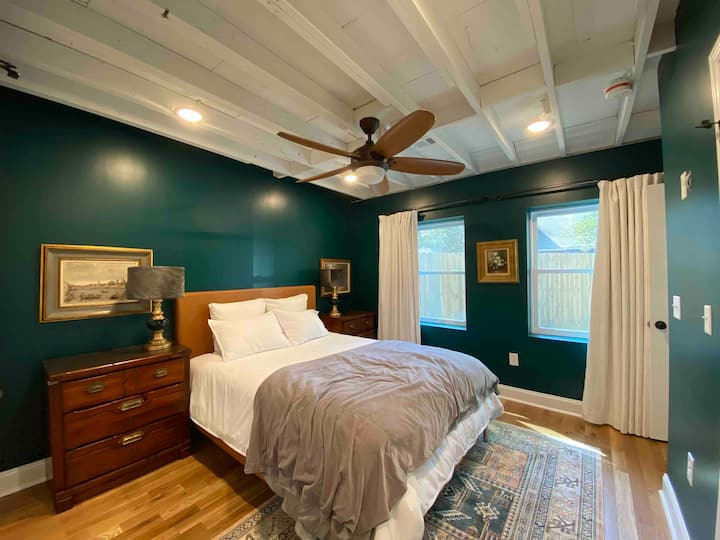 Luxury Cottage close to Downtown Charleston
