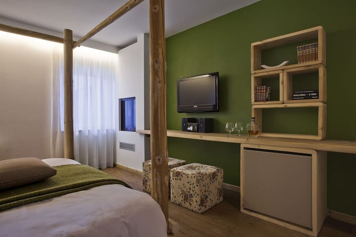 Camera matrimoniale Classic - Campitello di Fassa - Bed & Breakfast