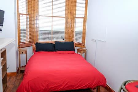 2 rooms with sea view - Sheerness - Reihenhaus