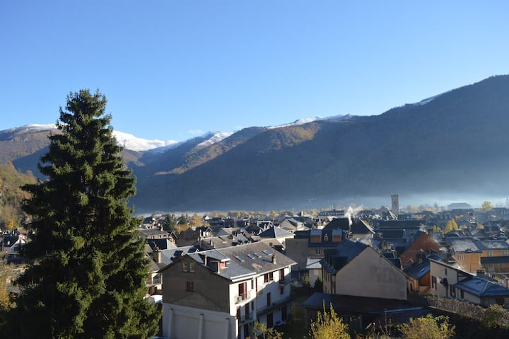 LUCHON flat with stunning views
