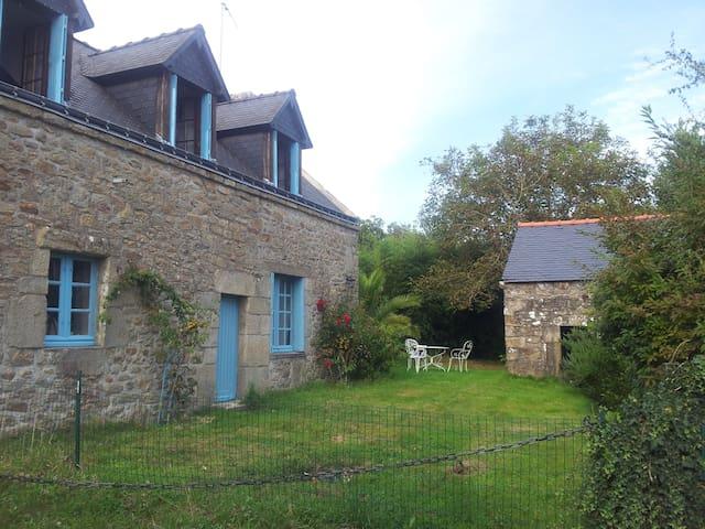 penty de charme près des menhirs - Carnac - House
