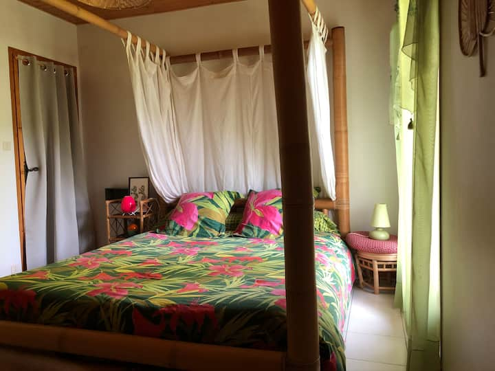 Chambre 2 : proche plages et à 15 min de la Suisse