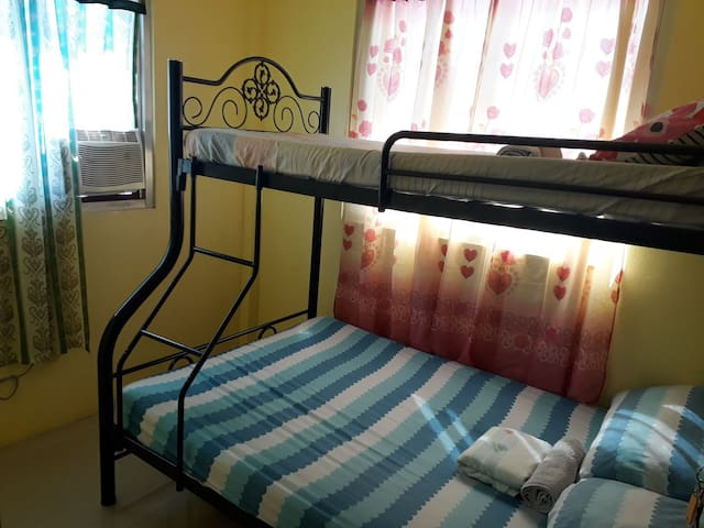 Vigan Room w/ a.c & 5 min walk to calle crisologo