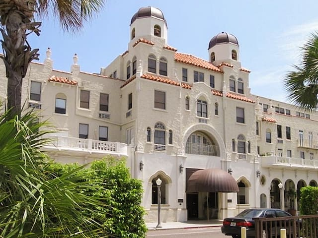 Palm Beach Hotel Condominiums - Historic Landmark - Palm Beach
