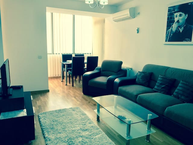 18th Floor SKY 1 Bedroom APARTMENT Monaco Towers! - București