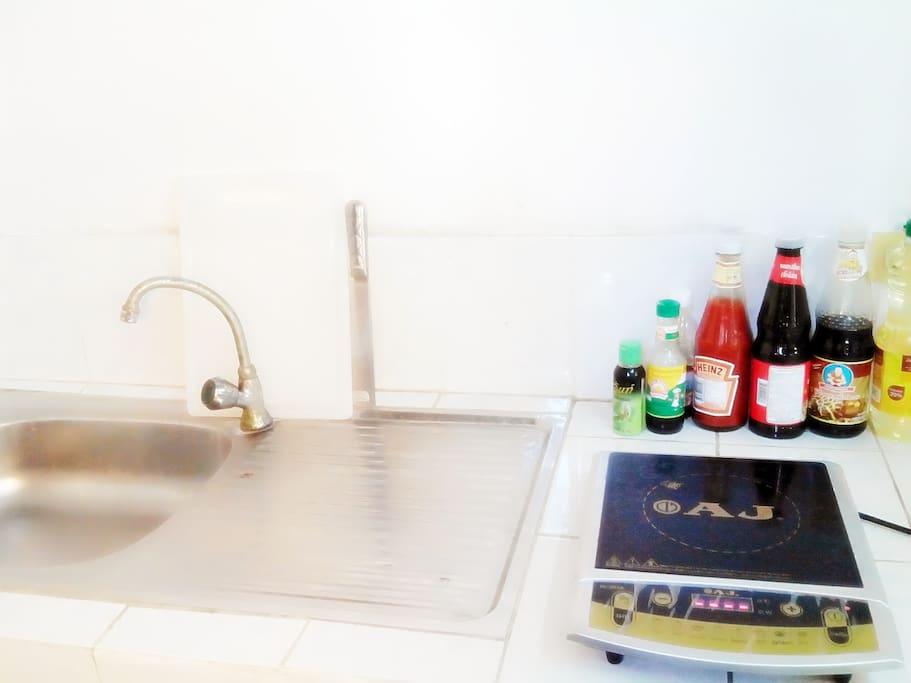 厨房免费使用,你可大展身手烹饪美食,家乡的味道总是让你胃口大开,大快朵颐。