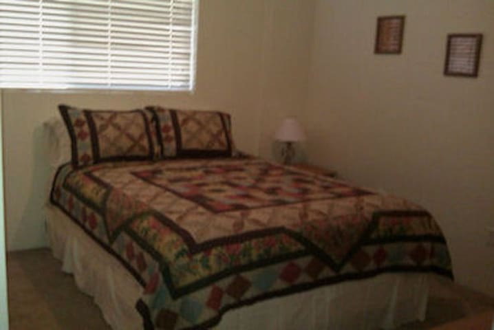 Ponderosa Lane B&B-Country Room - St Maries - Bed & Breakfast