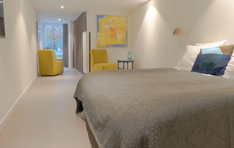 Hotel Villa de Hazelaar - Comfortkamer met Terras