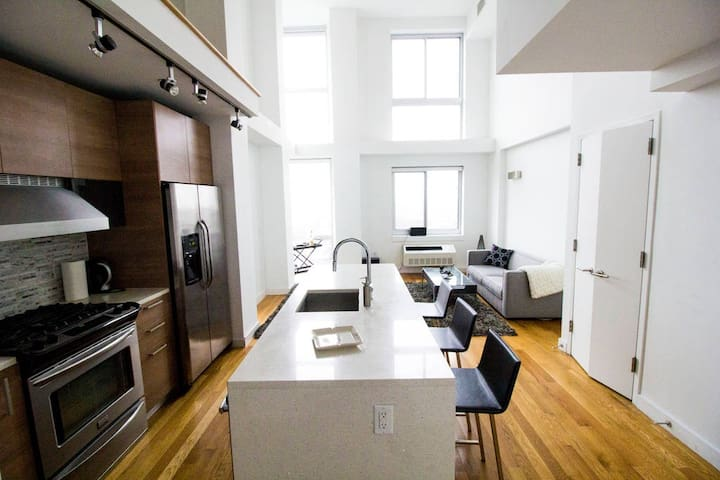 Upscale Sun-Soaked Luxury apartment in Brooklyn