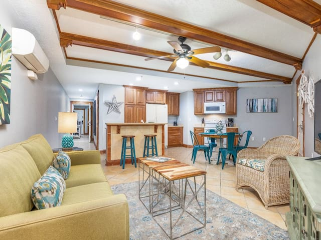 2 BR Condo Both With Private Baths, Oceanfront Pools, Beachfront Community, On-site Restaurant, Elevator, Pet Friendly - Colony 221
