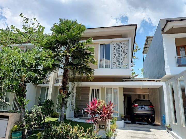 Vacation House in Yogyakarta, Ndalem Keputren