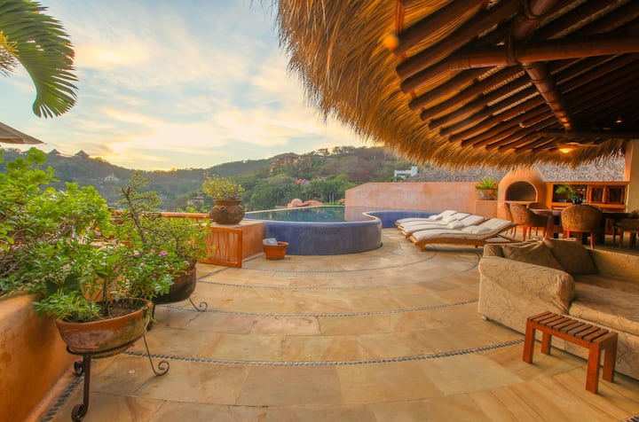AMAZING Luxury Villa in Best Location!