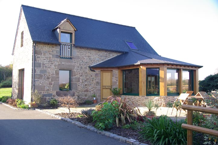 Holiday cottage for 5 people - Combourg - Huis