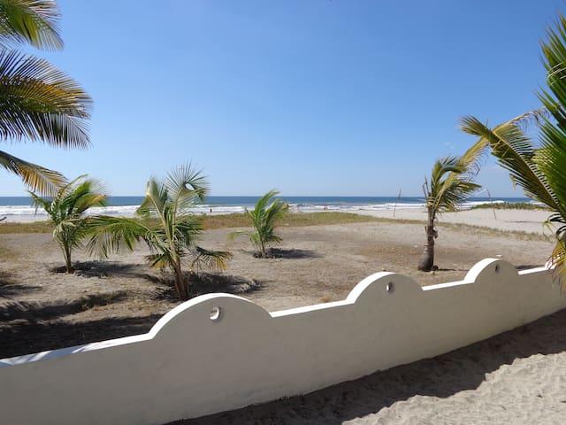 BELLA CIAO  Ocean front Bungalow  - El Zapote - Haus