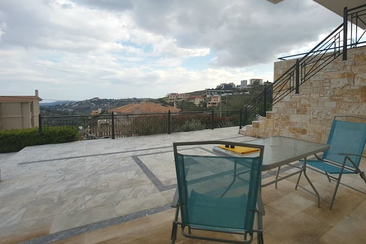 1 bed flat in a posh area near Athens Airport - Ntrafi - Appartamento