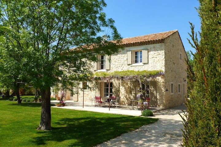 "Lovely ""Provençal stone mas"" in Aix en Provence"