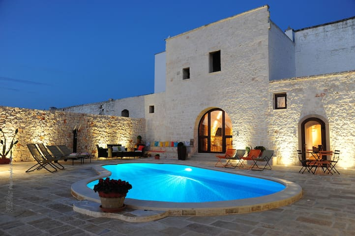 Traditional farmhouse with private pool