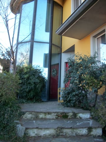 QUIET HOUSE  NEAR FIERA RHO  - Settimo Milanese - Huis