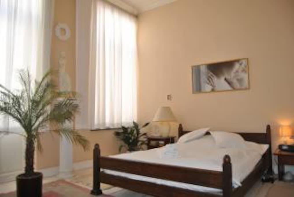 chambre lumineuse b b pr s de ulb chambres d 39 h tes louer ixelles bruxelles belgique. Black Bedroom Furniture Sets. Home Design Ideas