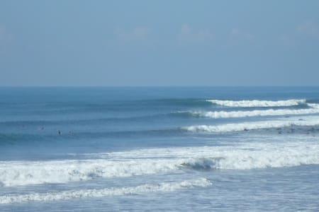 Absolute Ocean Front- Studio Loft  - La Libertad, El Salvador - Hus
