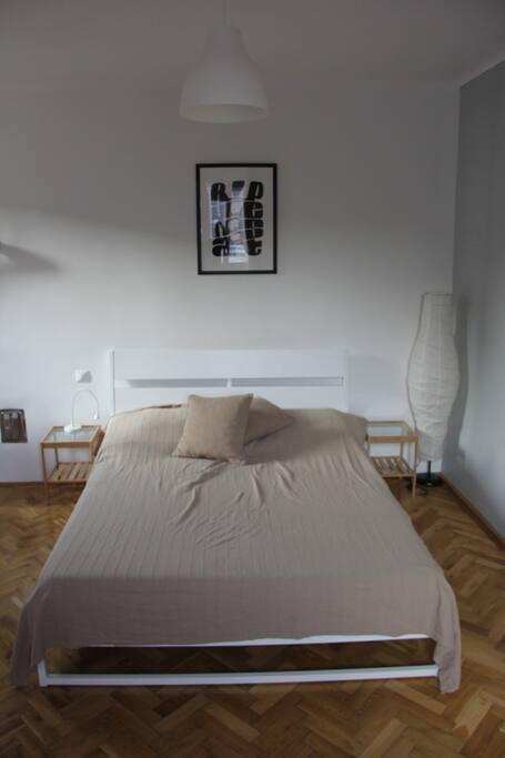 kétszemélyes francia ágy