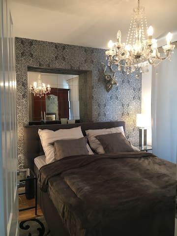 """Luxus Apartment """"Karl"""" Altstadtlage"""