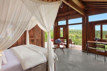 Amazing Mountain Bungalow w/wifi, pool & breakfast - Banjar