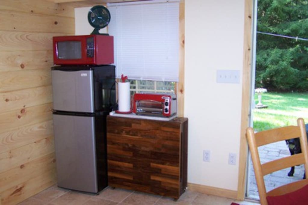 Refrigerator/Freezer  Microwave Oven  Toaster Oven / Toaster --view out onto patio and private yard/woods