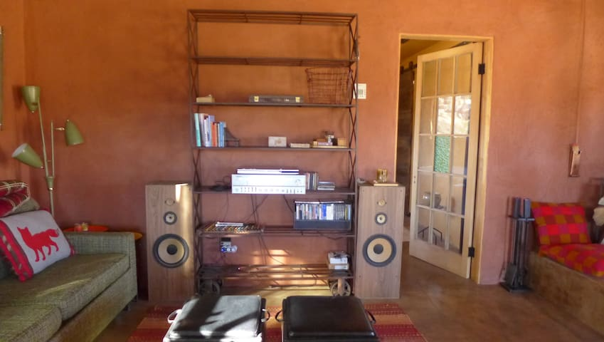 1979 Quadraflex amplifier/stereo and vintage speakers: bluetooth ready to pair w/ your device.