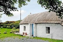 Rural Romantic Thatched Cottage