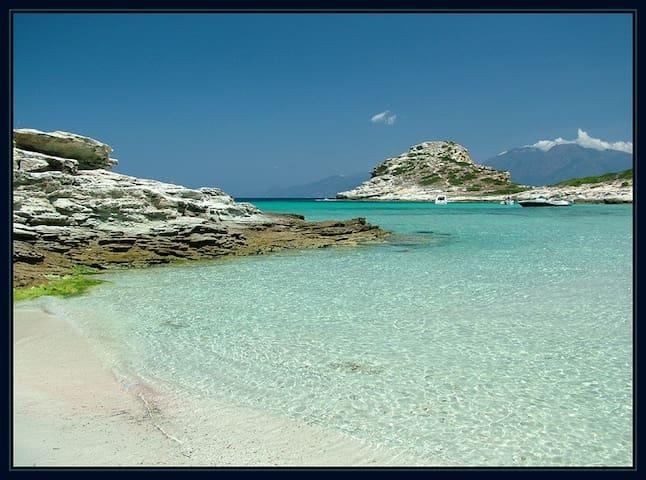Petite maison en Corse, lotissement familial - Poggio-d'Oletta - Hus
