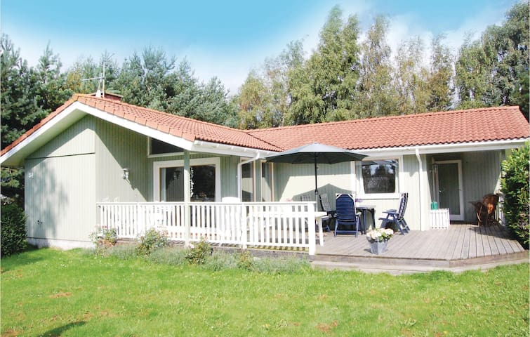 Holiday cottage with 3 bedrooms on 97m² in Stege