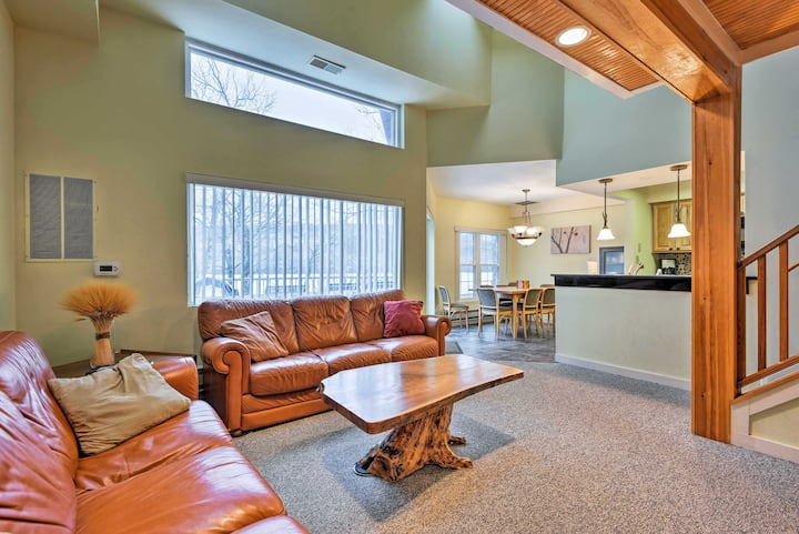 Cozy Lake Harmony Condo w/Balcony on Boulder Lake!