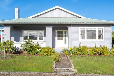 Architect Cottage 1