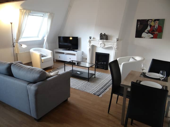 Charming, 2BDR apartment in The Hague city centre