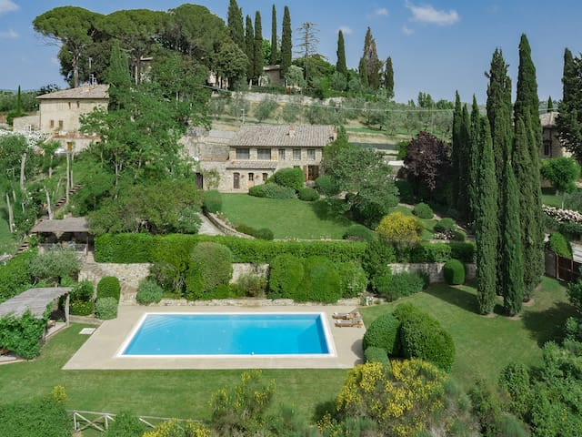 Villa Cinciano - Beautiful Tuscan retreat