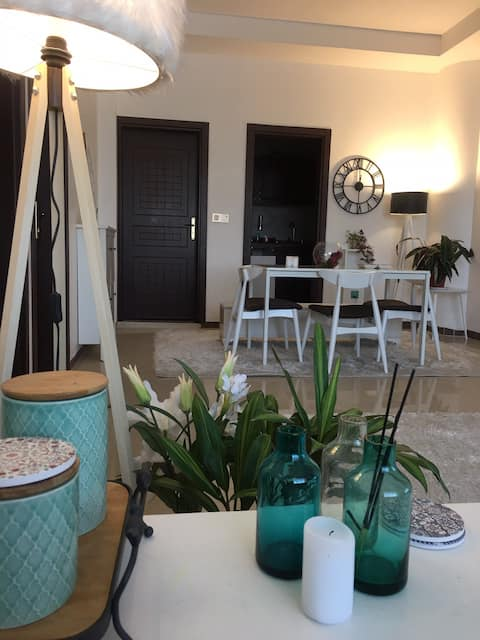 Lovely apartment.golden zone,24h market airport