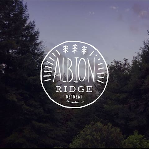 Albion Ridge Retreat // Home // Occasion Space - Albion - Hus