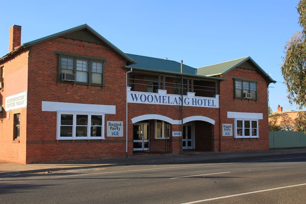 The Woomelang Hotel