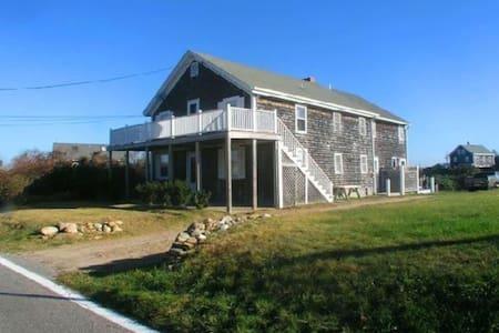 Casa Sim; Simonelli Upper & Lower. - New Shoreham - Casa
