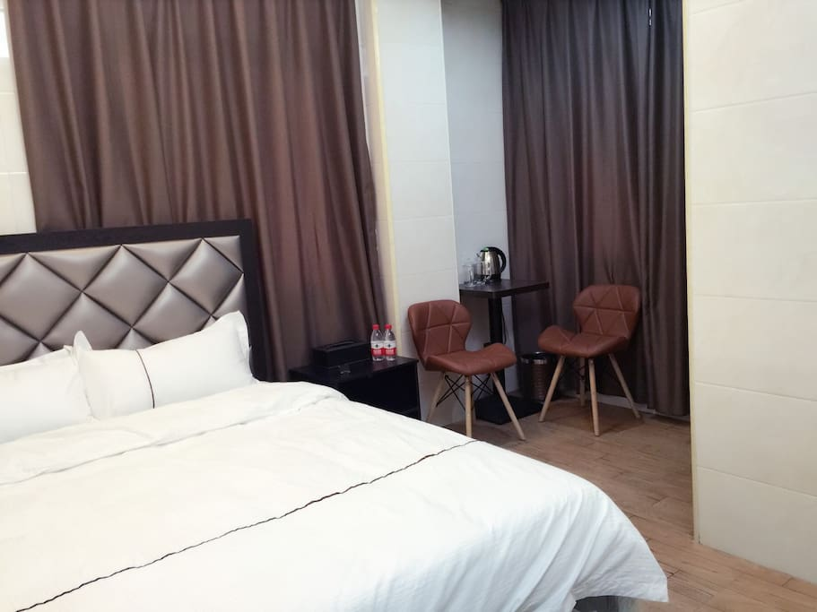 卧室301