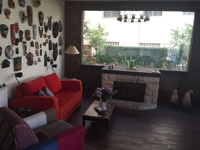 Charming apartment with Garden and Swimming pool - Beiroet - Appartement