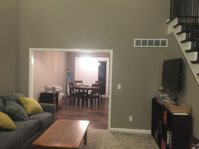 Living Room pic 2