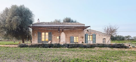 NEW- CHARMING COTTAGE IN AUTHENTIC RURAL MALLORCA
