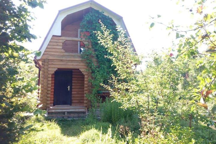 Бревенчатый дачный домик - Gelendzhik - Hus