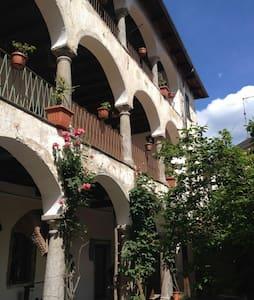 Casa Clerici-Ca' del merican-stanza con terrazzo - Brolo