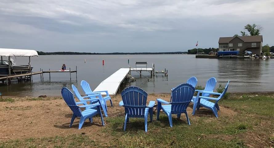 Fox Lake Retreat ★ Come make some family memories!